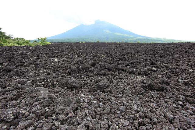 Photo:Mt. Iwate / 岩手山(いわてさん) By:TANAKA Juuyoh (田中十洋)