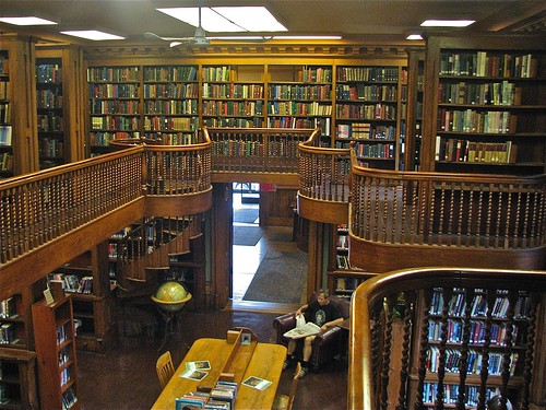 St. Johnsbury Athenæum (1871) – Interior: library stacks detail