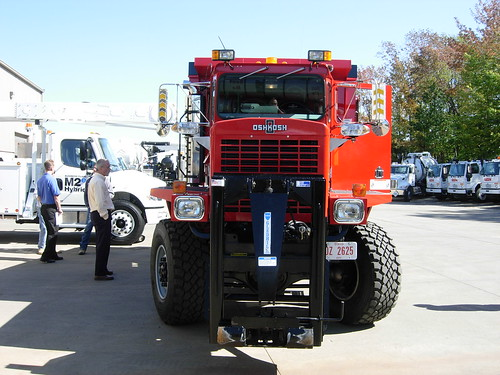 Findlay Airport OshKosh Snow Truck
