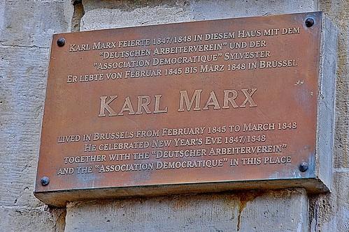 10 -19 août 2010 Bruxelles Grand'place Ici vécut Karl marx...