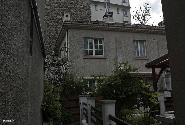 20 me arrondissement maisons de village paris le blog de paris. Black Bedroom Furniture Sets. Home Design Ideas