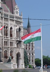 -In Pest: 1956 flag next to Parliament