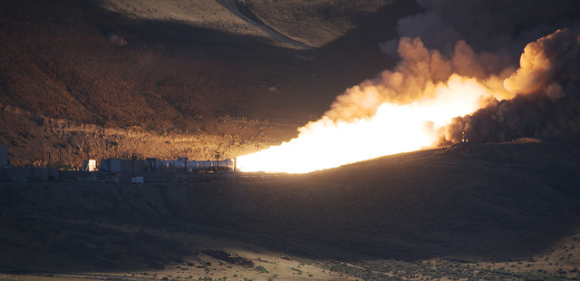DM-2 Motor Roars in Successful Test (NASA, ATK, 08/31/10)