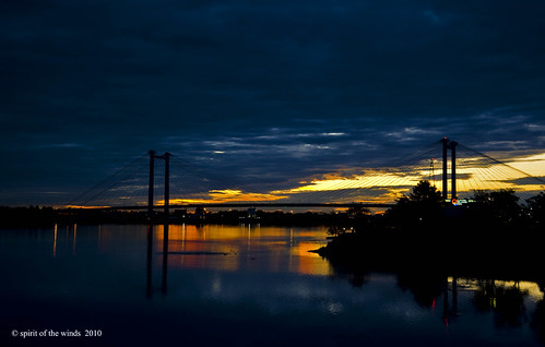 bridges columbiariver sunrises magicalmoments otw onlythebestare edhindlerbridge