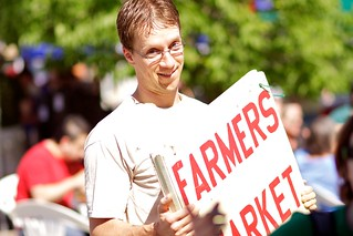 volunteer Scott Travis at Midtown Farmers Market