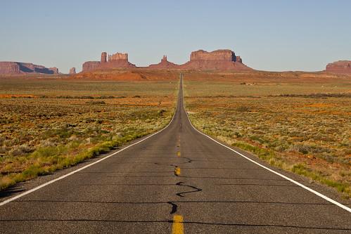road arizona usa canon landscape utah highway scenery view desert camino carretera path explore vista navajo redrock monumentvalley 2470l indianreservation navajoindianreservation 2470 explored canoneos5dmarkii 5dmarkii