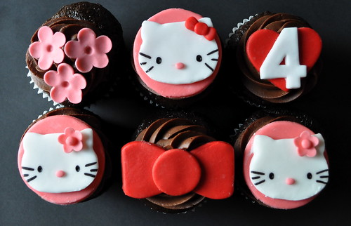 5197690158 0fdfa1c91b Hello Kitty Cupcake Decorating Ideas