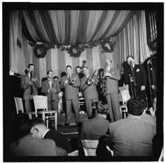 [Portrait of Pee Wee Russell, Max Kaminsky, Wild Bill Davison, Jack Lesberg, George Brunis, Bud Freeman, and Freddie Ohms, Eddie Condon's, New York, N.Y., between 1946 and 1948] (LOC)