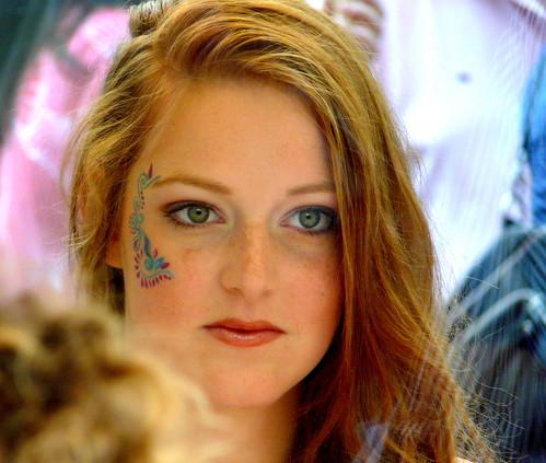 Window-shop ginger girl, Redhead Day Breda