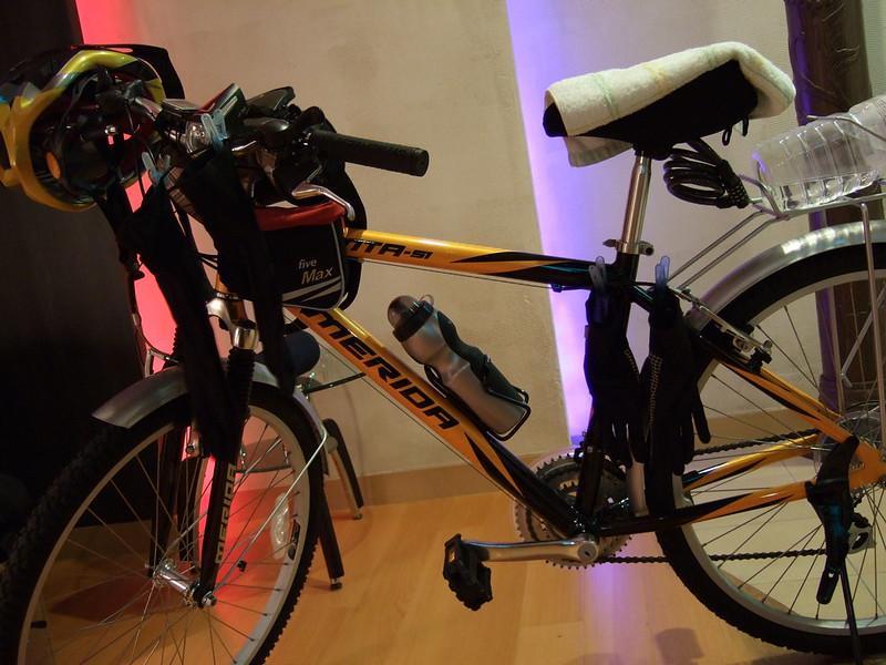 用單車晾衣服_01