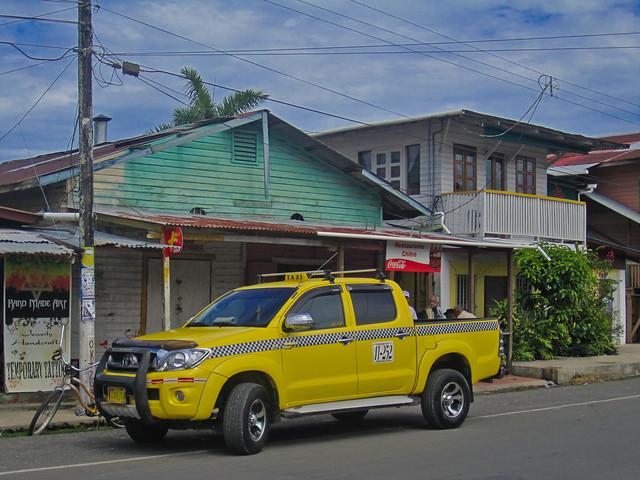 Bocas del Toro 29 - Hilux taxi