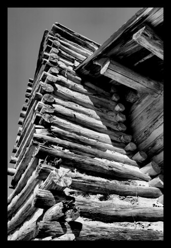 chimney building blackwhite cabin alabama logs wetumpka forttoulouse