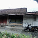 Miring nyaris roboh. : This house is almost collapsed. Photo by Ardian