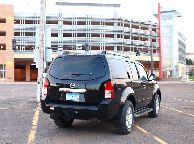 2011 Nissan Pathfinder 4