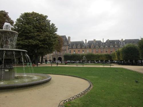 Place des Vosges, Le Marais. Paris