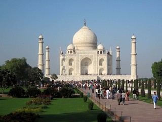 Profess your love at Taj Mahal - Things to do in New Delhi