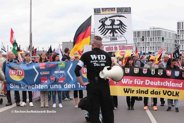 """01.07.2017 Berlin: WfD- """"Merkel muss weg""""-Aufmarsch Nr. 6"""