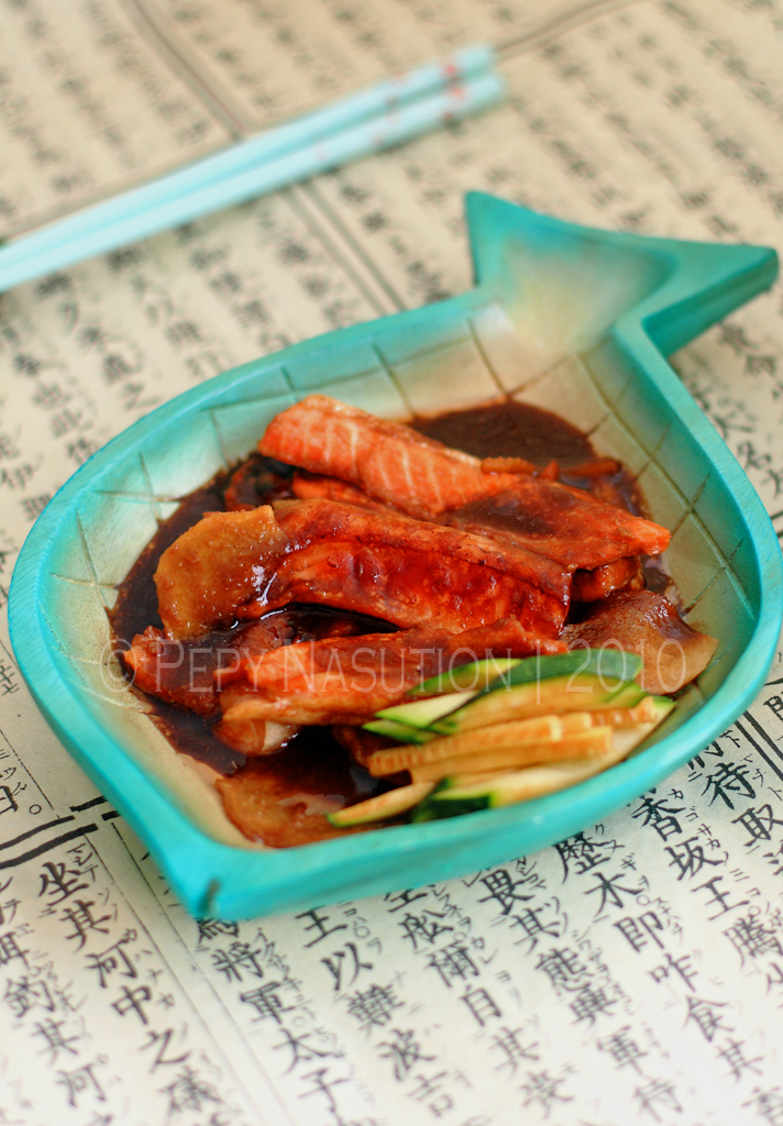 Braised salmon belly in miso sauce zone food for Miso sauce for fish