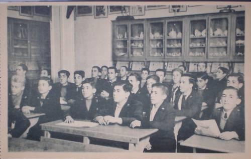 Alumnos del Colegio María Cristina de Huérfanos  de la infantería