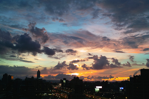 speechless dusk @ Taipei.