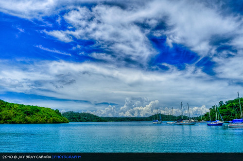 sea sky nature port landscape puerto island islands bay boat nikon view yacht philippines tourist motorboat galera hdr province aasia puertogalera mindoro smörgåsbord icapture orientalmindoro d5000 muellebay
