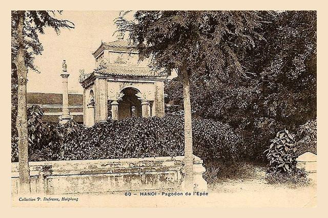 HANOI - Pagodon de l'Epée - Đền thờ vua Lê Thái Tổ cạnh Hồ Gươm
