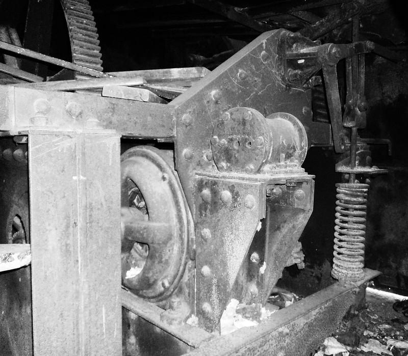 Electric Motor & Portion of Clutch Mechanism, HB&T Railway Strauss Bascule Bridge over Buffalo Bayou, Houston, Texas 0911101448BW