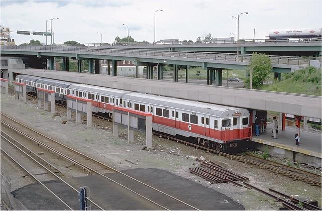 mbta red line pullman car 01463 at jfkumass station