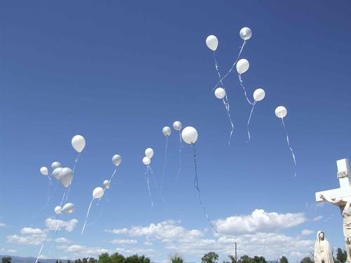 sky newmexico colorado funeral baloons mildredelizabethnewmanchávez