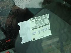 Si vas en coche, no olvides pegar el ticket de aparcamiento en el interior del cristal (está bien pensado por la lluvia) cambridge - 5067596488 d88e5d2a54 m - Cambridge (England) y sus rincones para turistas