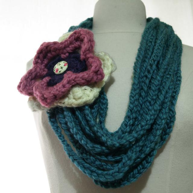 CrochetFlowerChainScarfLinziloop  Flickr  Photo Sharing Crochet Flower Scarves