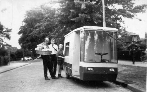 Bakker Jan Reuvers van bakkerij Wieleman, ca. 1965