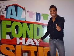 Tommy_Portugal__Al_fondo_hay_sitio