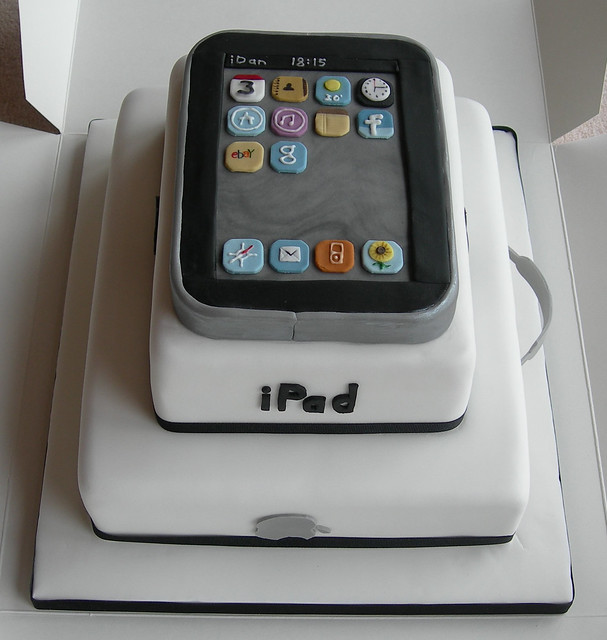 Front of iPad/MacBook cake | 30th birthday cake for Apple ...