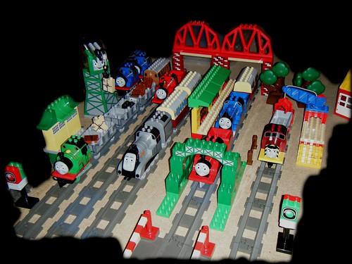 Lego Duplo Thomas and Friends big model railway | The beginn… | Flickr