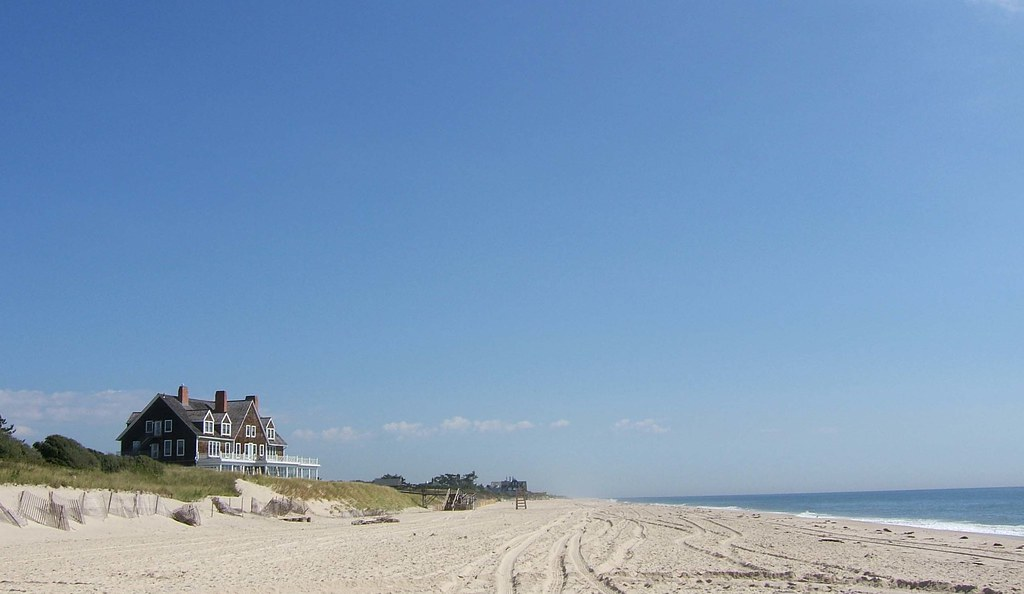 favorite-things-to-do-hamptons-house-on-ocean