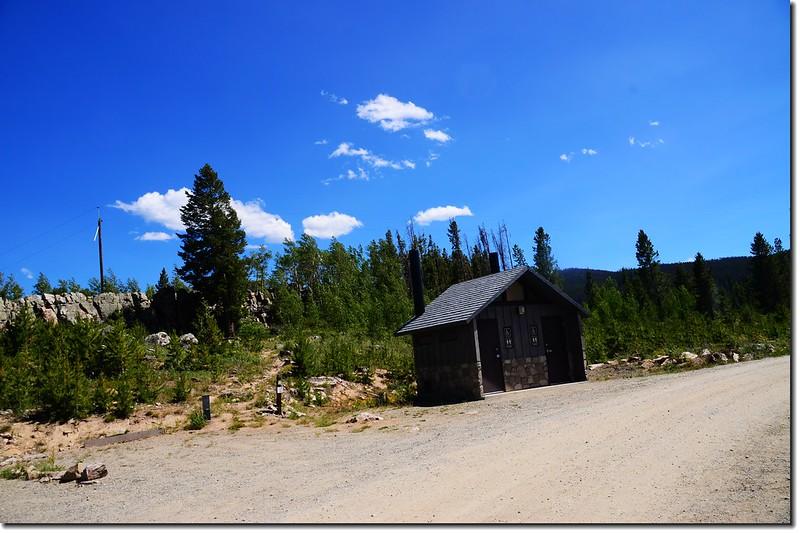 營地公廁 2