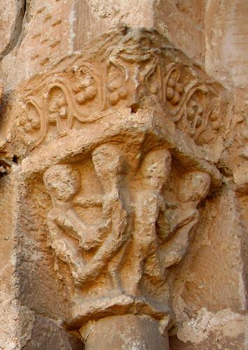 Alpanseque (Soria). Nuestra Señora de la Asunción. Capitel de los Luchadores