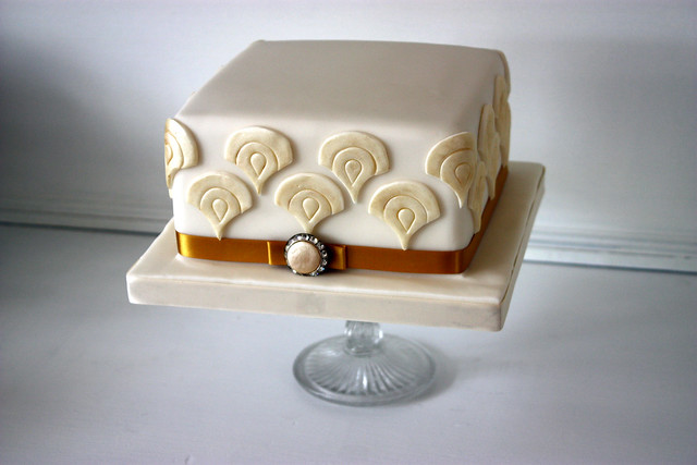 Art Deco Birthday Cake : 4840518334_0366338e92_z.jpg