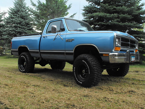 1986 Dodge Power Ram 150 Project Truck