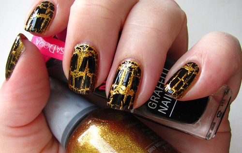 Orly Gliz & Glamour with Isadora Black Tag
