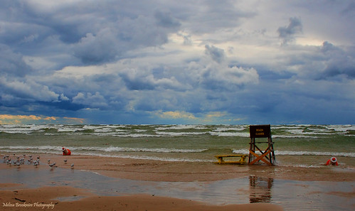 usa newyork beach clouds greatlakes lakeontario dramaticsky eastcoast stormyweather wildweather coolclouds roughwater selkirkshoresstatepark