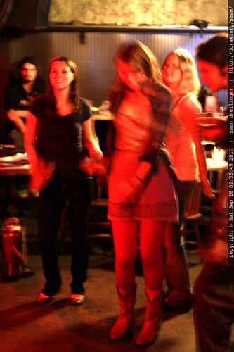 crowd dancing   water tower bucket boys @ gemini