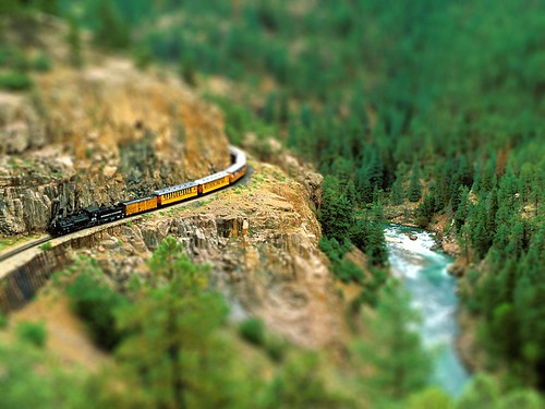 Durango_Silverton_Narrow_Gauge_Railroad_Colorado-tiltshift