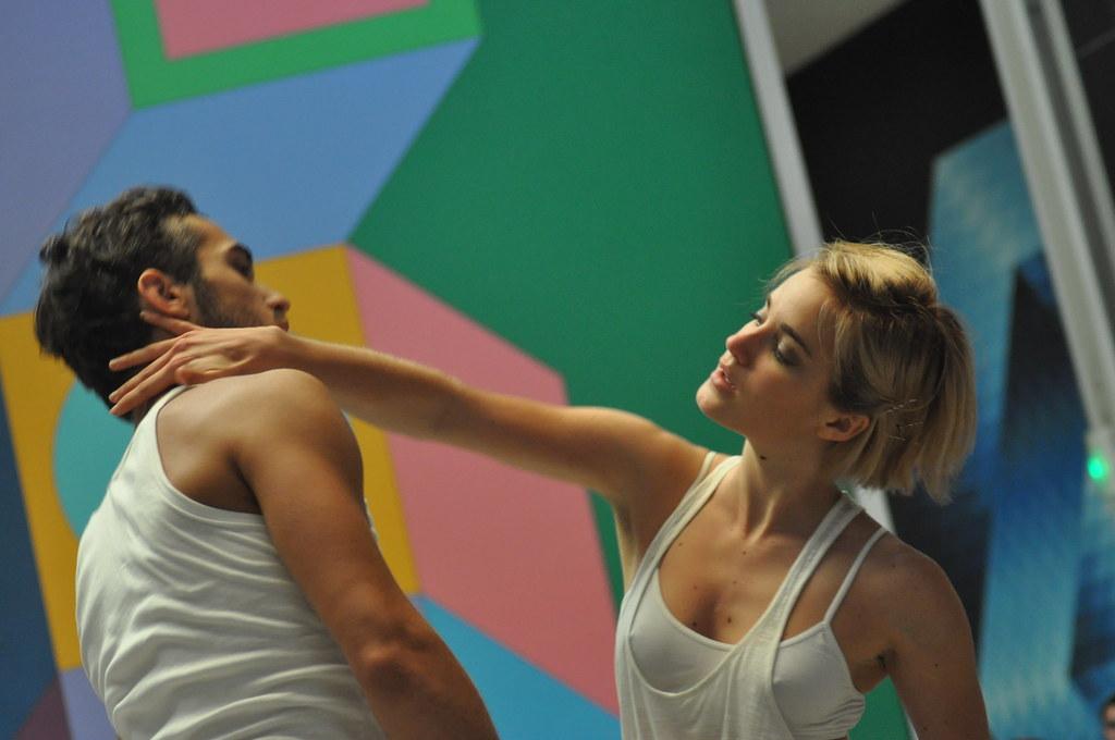 Groupe Urbain d'Intervention Dansée (GUID) by Pirlouiiiit 19092010