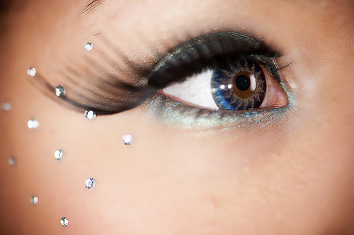3 Eye Accessories for Brighter Eyes