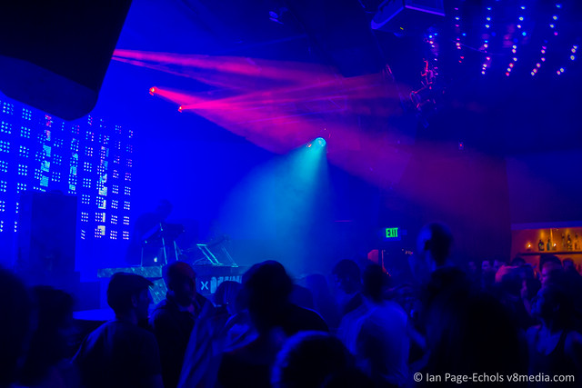 Kevin Saunderson and AudioPixel LED lighting with haze