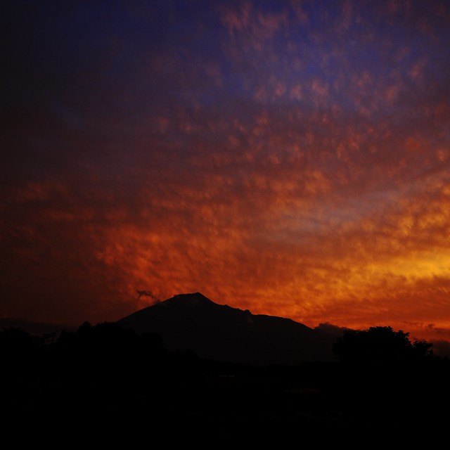 Photo:Evening Fire over Mt.Iwate By:jasohill
