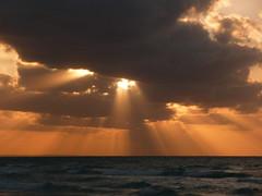 Sun rays in Varadero