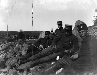 Andreas Moe i felten / Andreas Moe in the field (ca. 1903)